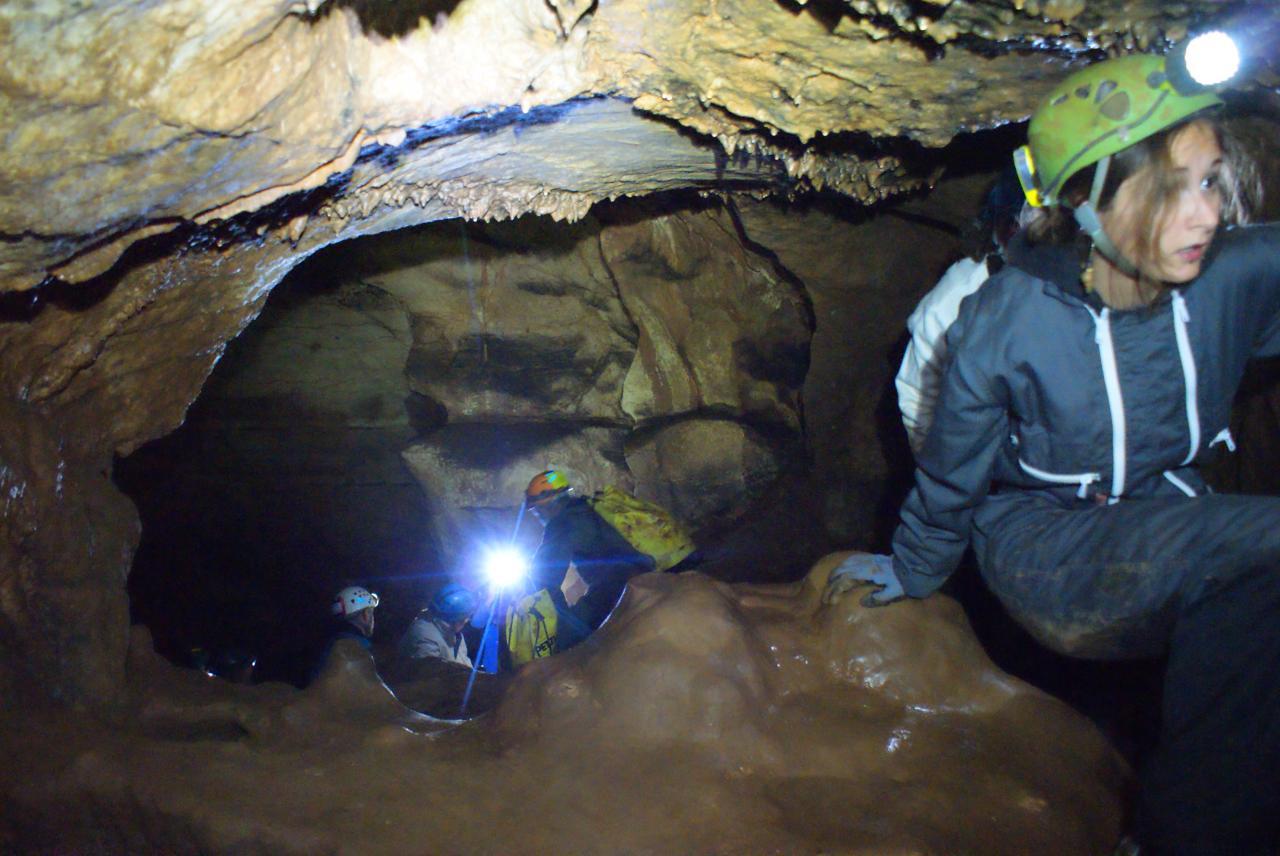 initiation spéléo à la grotte de Rampins